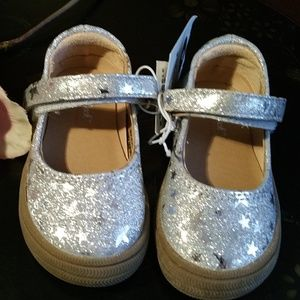 NWT Cat & Jack Size 4 Silver Glitter Star Shoes